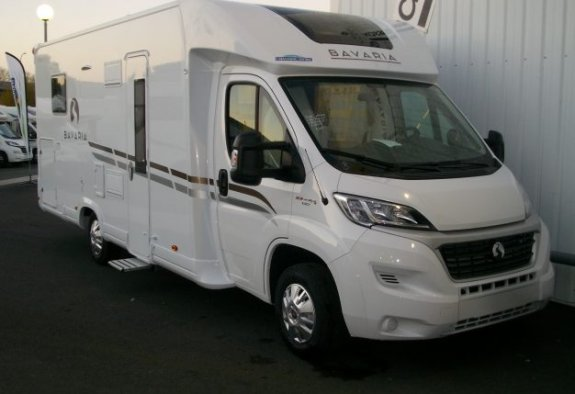 bavaria t 746 c style occasion annonces de camping car en vente net campers. Black Bedroom Furniture Sets. Home Design Ideas