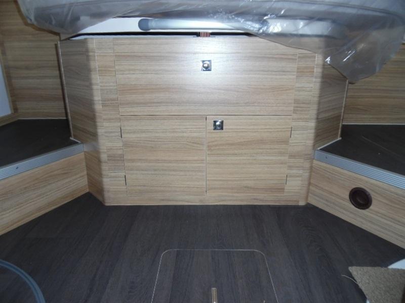 adria sonic i 700 sc neuf porteur fiat ducato 2 3l multijet 130ch diesel camping car vendre. Black Bedroom Furniture Sets. Home Design Ideas