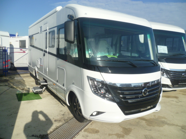 niesmann arto 77 e neuf porteur fiat ducato 2 3l multijet 180ch diesel camping car vendre. Black Bedroom Furniture Sets. Home Design Ideas