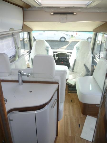 niesmann arto 77 e neuf porteur fiat ducato 2 3l multijet 180ch diesel camping car vendre. Black Bedroom Furniture Sets. Home Design Ideas