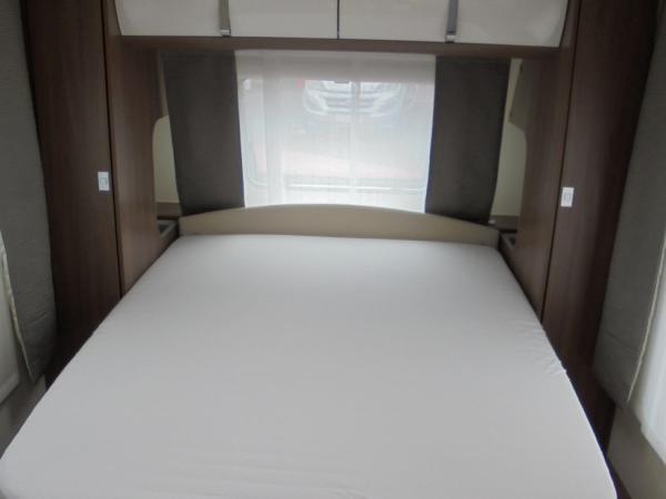 burstner averso top 485 ts neuf caravane vendre en loire atlantique 44 ref 13149 net. Black Bedroom Furniture Sets. Home Design Ideas