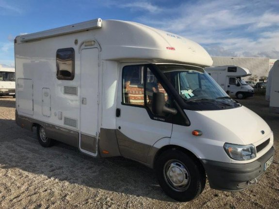 vilamobil occasion achat et vente de camping car net campers. Black Bedroom Furniture Sets. Home Design Ideas