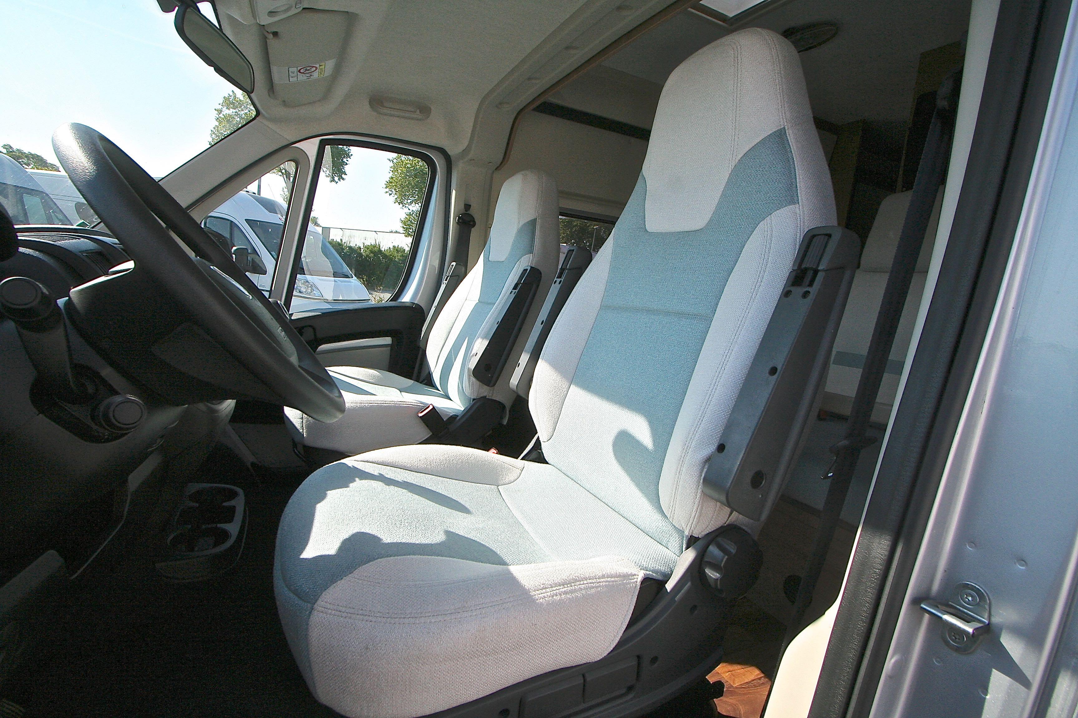 Mc Louis Menfys Van 4 S-line - 11