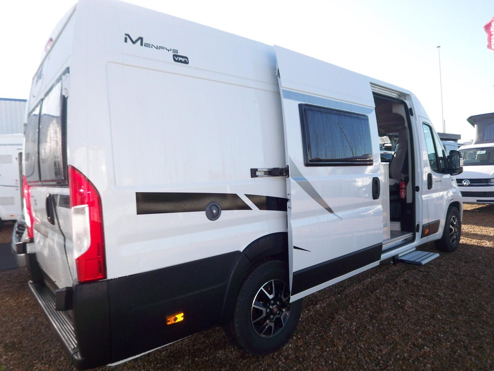 Mc Louis Menfys Van 4 Luxe Edition - 2