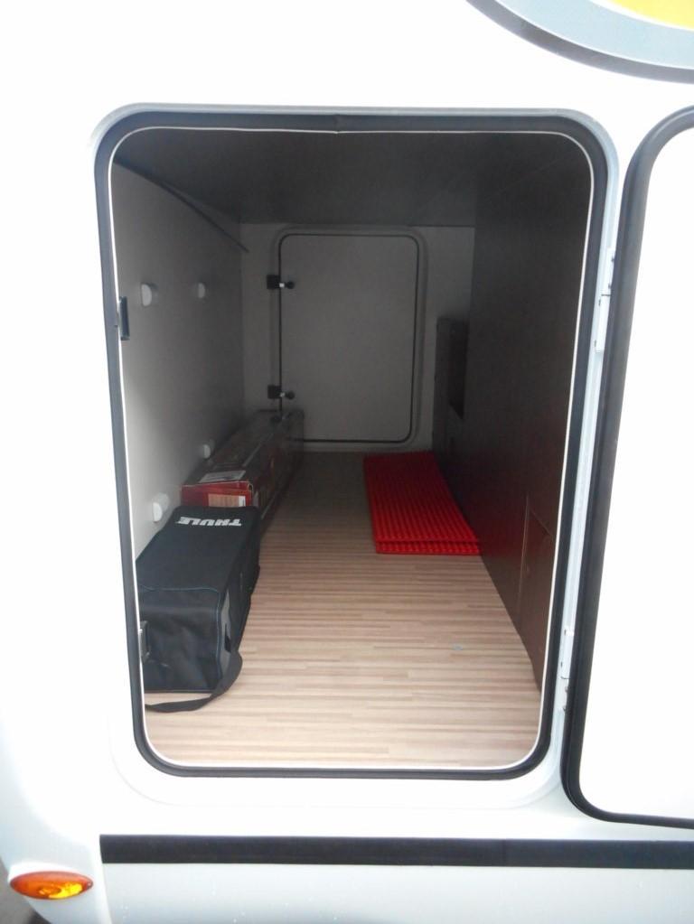 benimar tessoro 403 occasion porteur ford transit 2l2 tdci 155 cv camping car vendre en. Black Bedroom Furniture Sets. Home Design Ideas