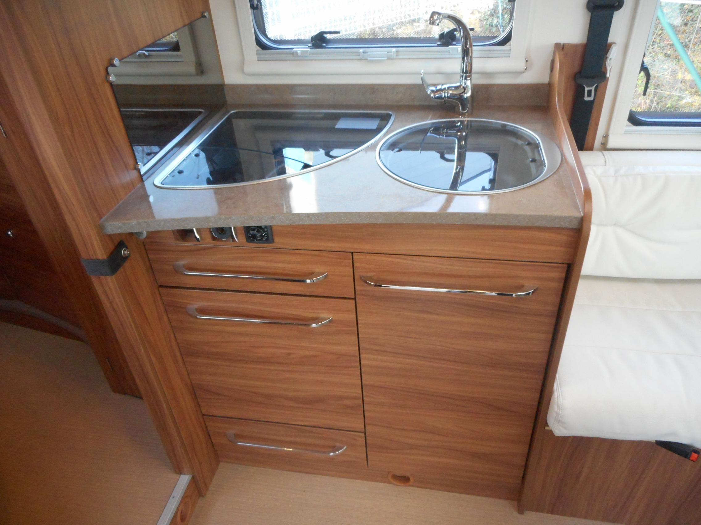 itineo mc 650 occasion porteur fiat ducato 2l3 jtd 130 cv camping car vendre en vienne 86. Black Bedroom Furniture Sets. Home Design Ideas