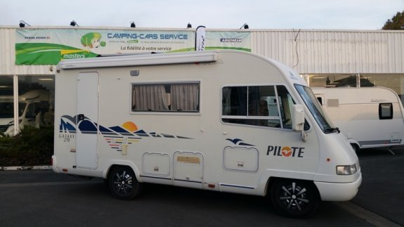 achat  Pilote 270 CAMPING-CARS SERVICE