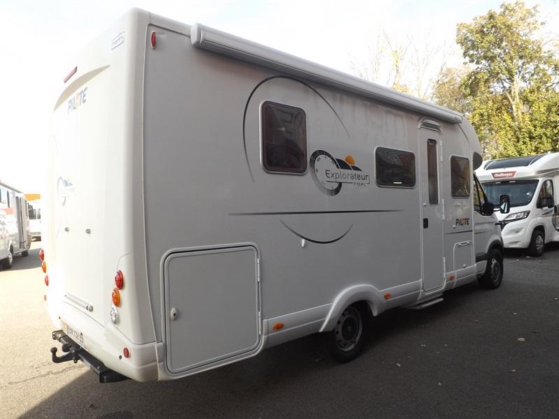pilote explorateur 715 fc occasion porteur renault master 3l dci 136ch diesel camping car. Black Bedroom Furniture Sets. Home Design Ideas