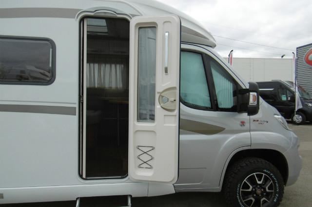 hymer exsis t 414 crossover neuf porteur fiat alko 35l 2l3 mjet 130 diesel camping car. Black Bedroom Furniture Sets. Home Design Ideas
