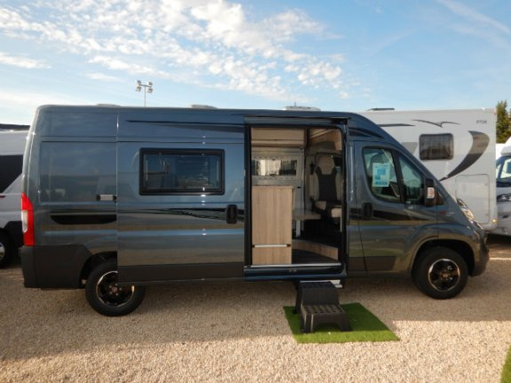 achat  Font Vendome Leader Camp BERRY CAMPING CARS