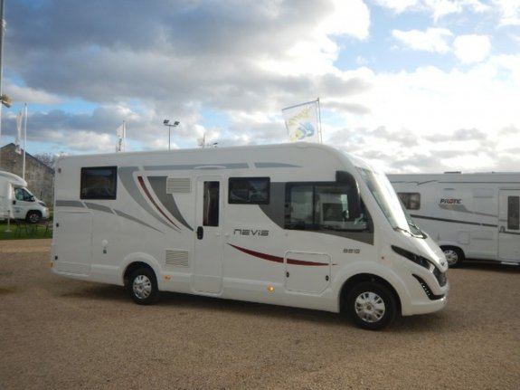 achat  Mc Louis Nevis 881 BERRY CAMPING CARS