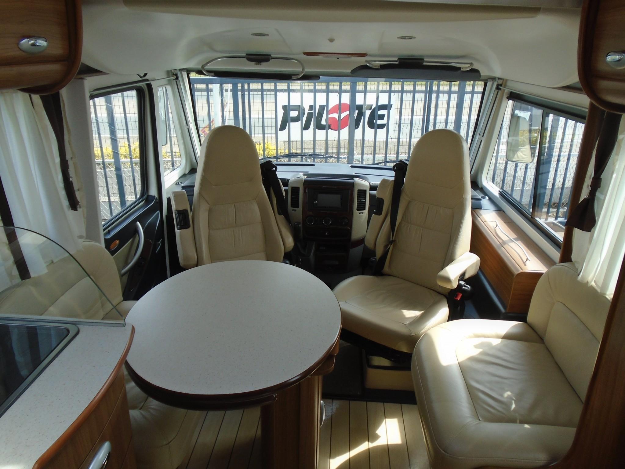 le voyageur lvx 850 lit central occasion  porteur mercedes 3l 184 cv 318 cdi