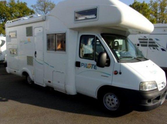 pilote occasion achat et vente de camping car net campers. Black Bedroom Furniture Sets. Home Design Ideas