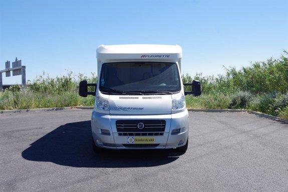 fleurette 72 lbm occasion annonces de camping car en vente net campers. Black Bedroom Furniture Sets. Home Design Ideas