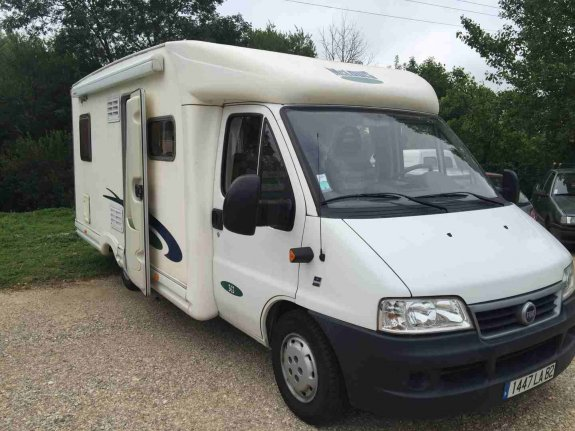 mc louis glen 363 occasion annonces de camping car en vente net campers. Black Bedroom Furniture Sets. Home Design Ideas