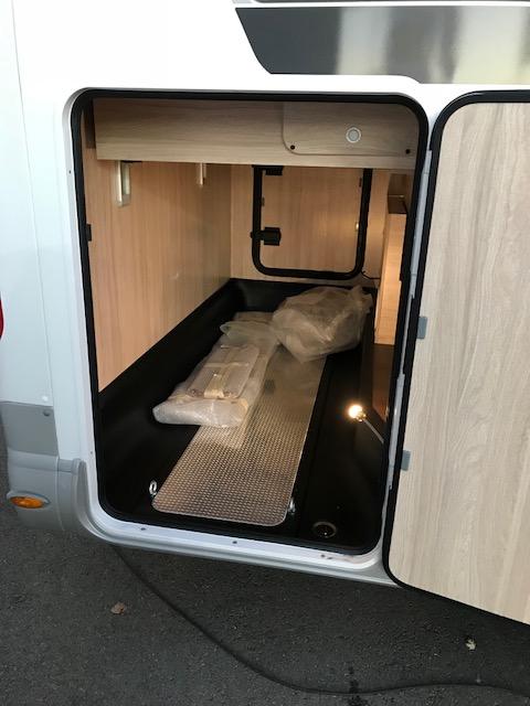 laika ecovip 412 neuf porteur fiat 130 camping car vendre en tarn et garonne 82 ref. Black Bedroom Furniture Sets. Home Design Ideas