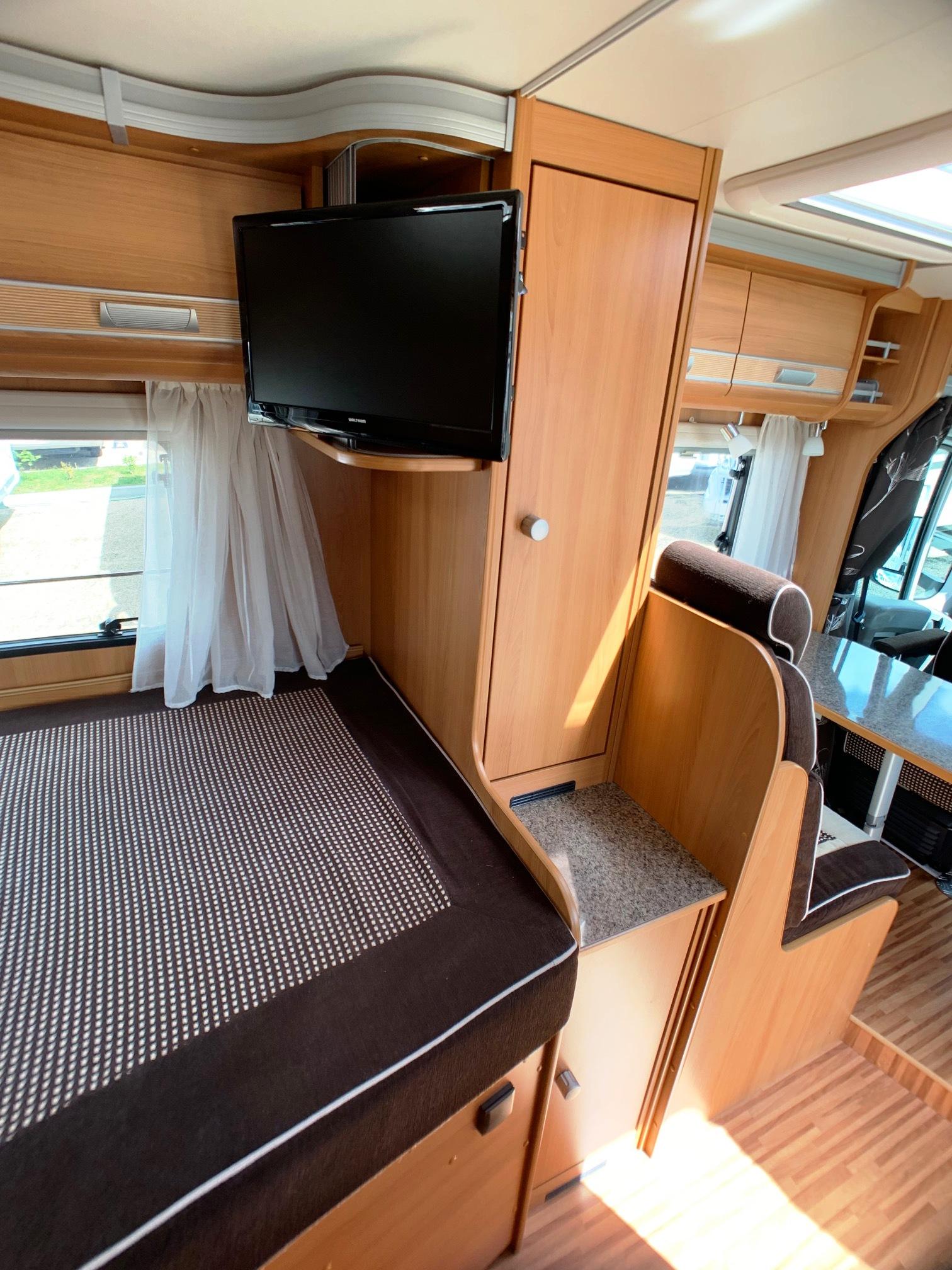 Dethleffs Globebus T 2 - 8