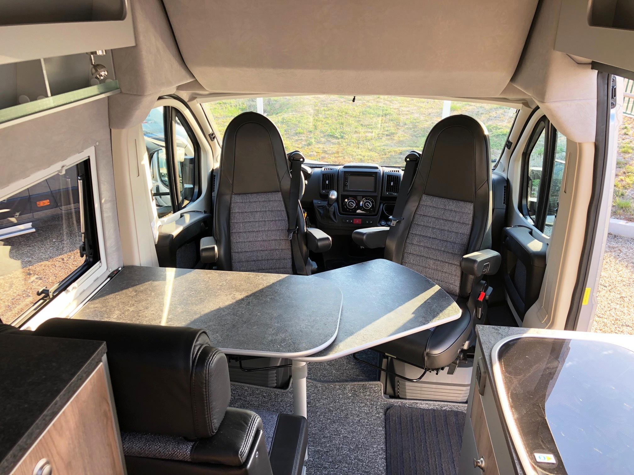 la strada avanti h occasion porteur fiat ducato 2 3 mjt 150 cv bva camping car vendre en. Black Bedroom Furniture Sets. Home Design Ideas
