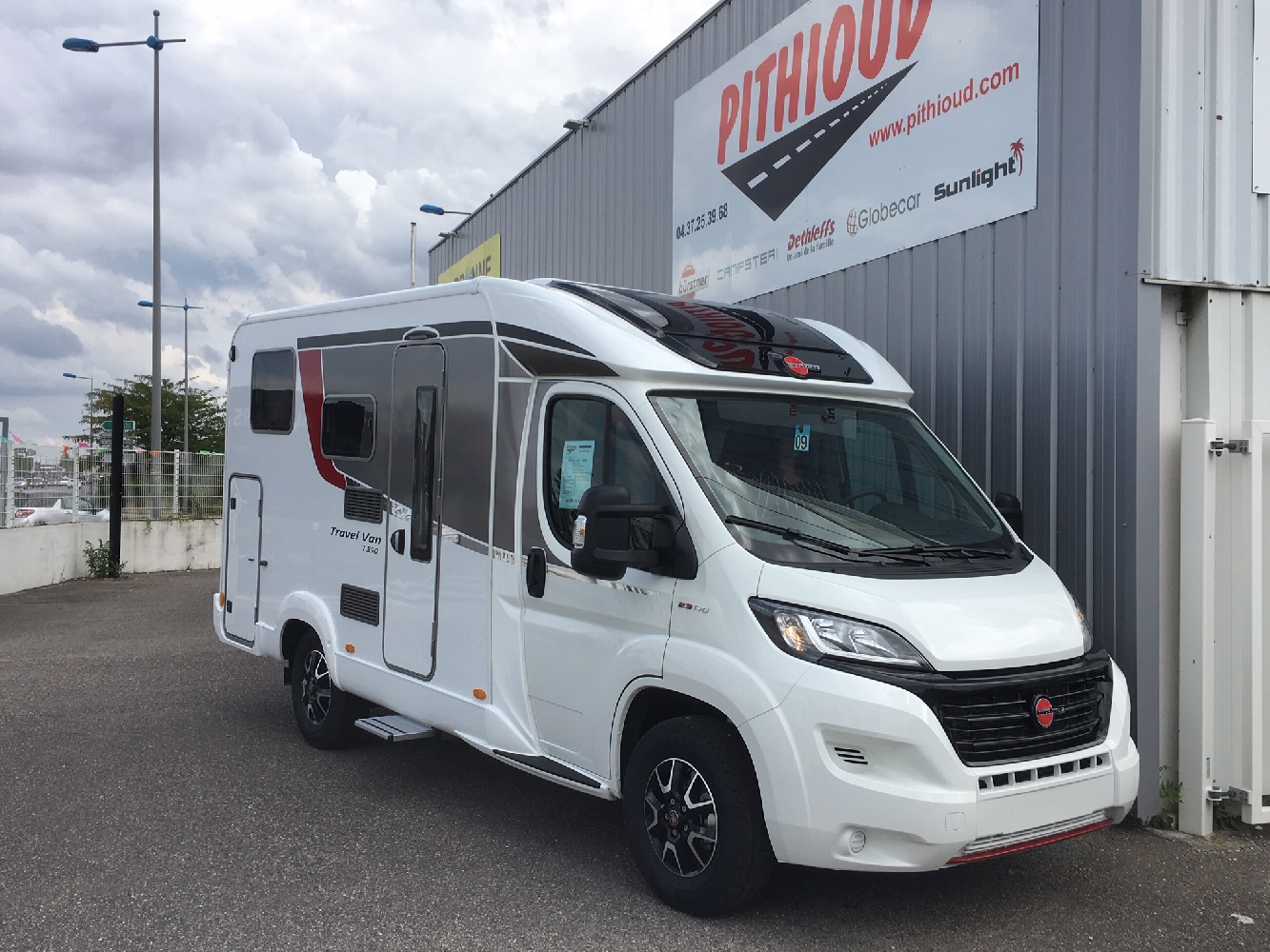Burstner Travel Van T 590 - 1