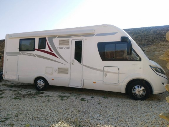 achat  Mc Louis Nevis 76 CENTRAL CAMPER