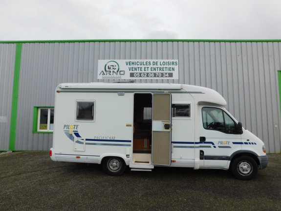 achat  Pilote Pacific 632 ARNO CAMPING CAR