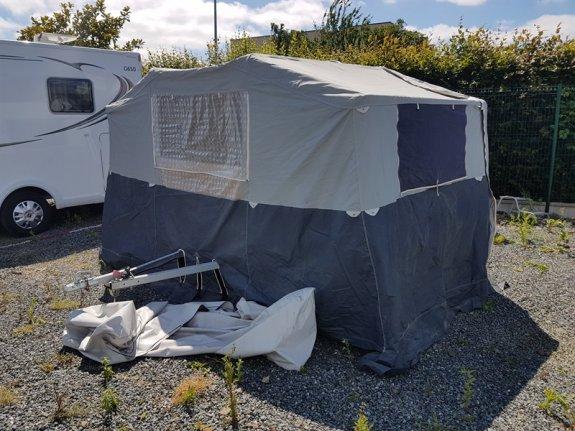 trigano camping car occasion annonces de caravanes mobil homes en vente net campers. Black Bedroom Furniture Sets. Home Design Ideas