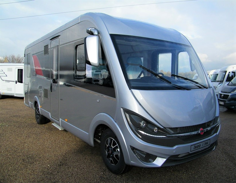 burstner ixeo i 744 neuf porteur fiat ducato 2 3l multijet 130cv camping car vendre en. Black Bedroom Furniture Sets. Home Design Ideas