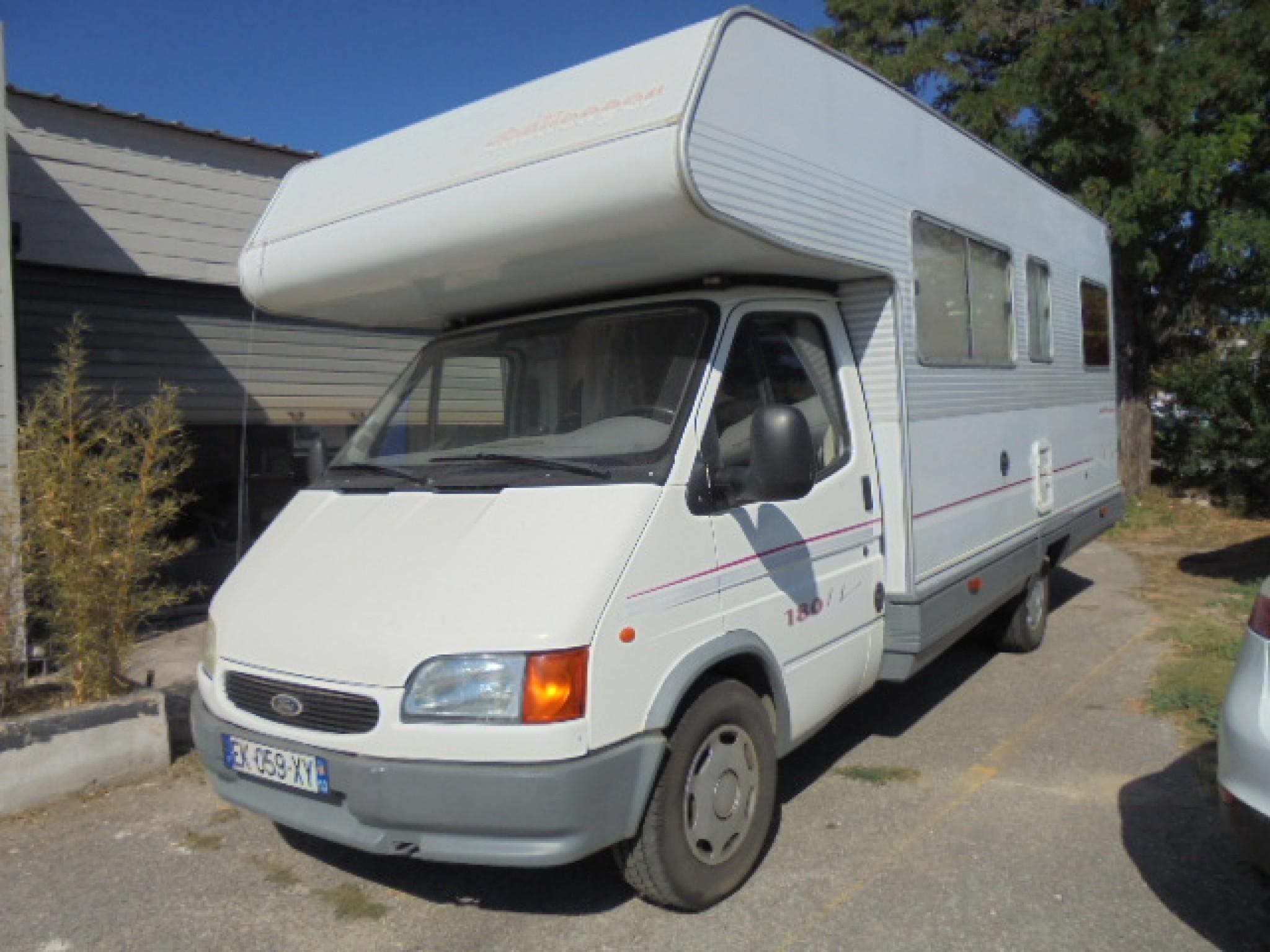 challenger 180 occasion porteur ford diesel camping car vendre en bouches du rhone 13. Black Bedroom Furniture Sets. Home Design Ideas