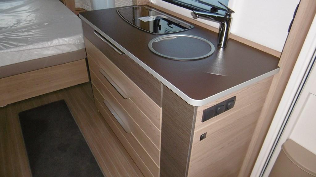 burstner averso 570 ts neuf caravane vendre en seine et marne 77 ref 8554 net campers. Black Bedroom Furniture Sets. Home Design Ideas